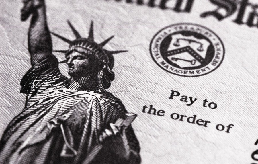 """Pay to the order of"" text with an image of the Statue of the Liberty"